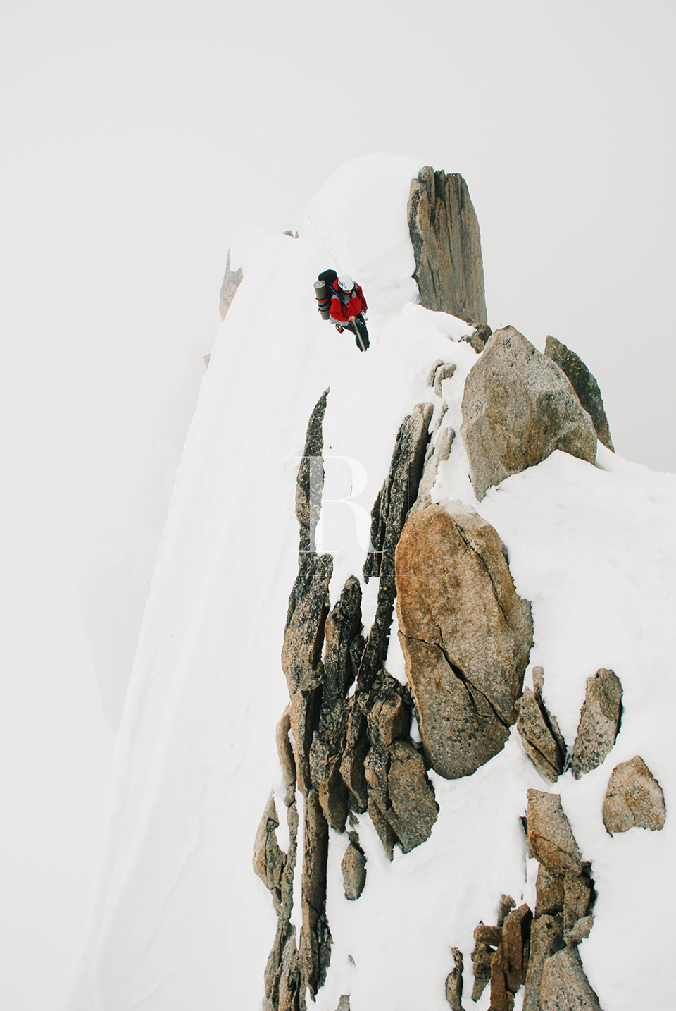 RYAN PARKER PHOTOGRAPHY_TRAVEL_FRANCE_MONT BLANCE_MOUNTAIN_ICE_SNOW_CABLE WAY--2.jpg