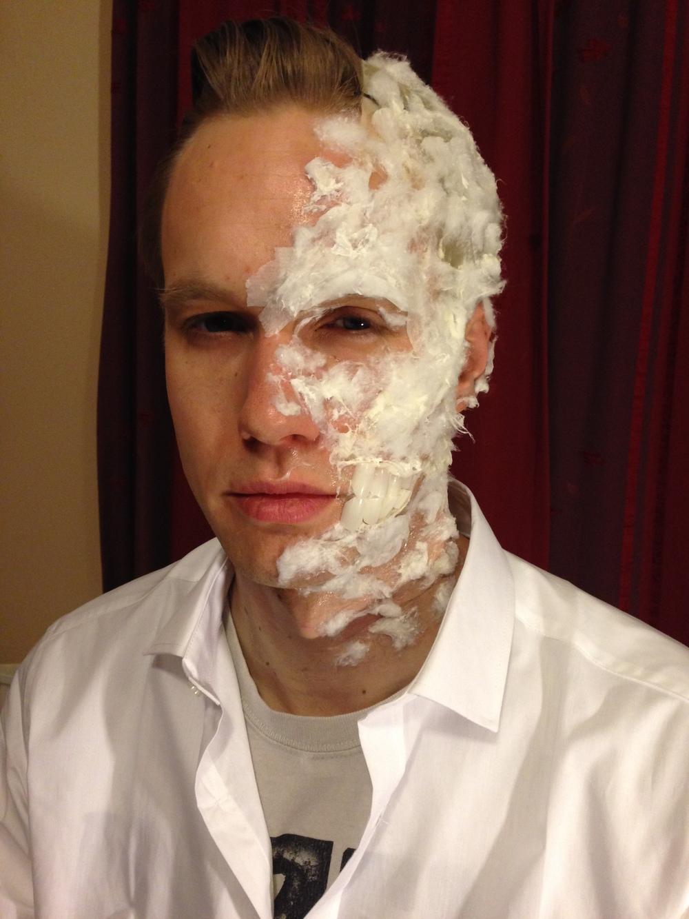 Batman\'s Twoface halloween makeup — Charlotte Van Loo