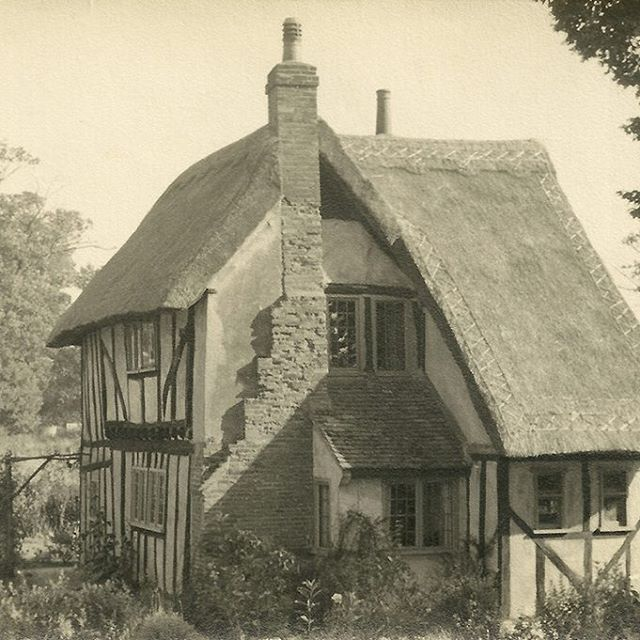 Thatched cottage in Hertfordshire