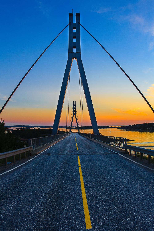 På vei til Hvaler. Endelig! Der borte, på andre siden av broen, der starter eventyret Hvaler.Foto © Eirik Dahl I Dahl Media Photography