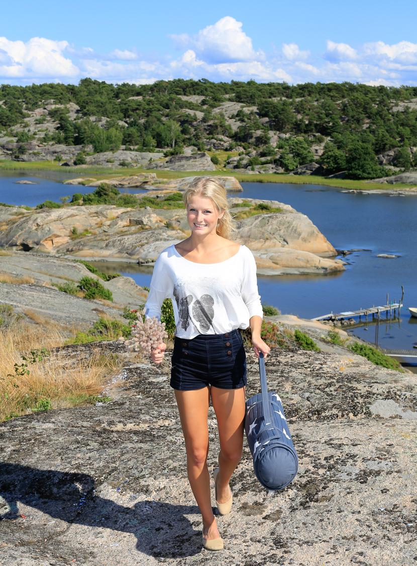 En tur på Vesterøy gir glede til hjerte og sinn. Her fra Utgårdskilen hvor det er flere høye koller som omringer fiskehavnen og dermed perfekt for en piknik.   Foto © Copyrighted: Eirik Dahl -  Dahl Media.