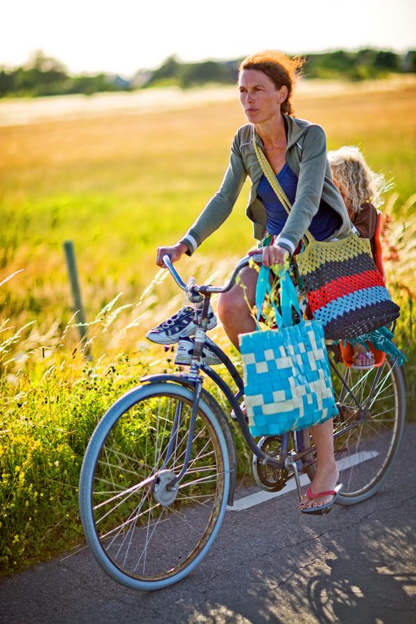Sommerøya Kirkøy innbyr til deilige sykkelturer på landlige veier som går igjennom fantastiske kulturlandskap.
