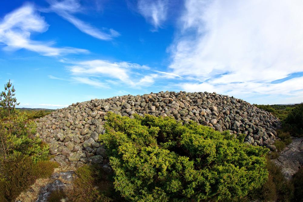 Herfølsåta - gravrøys fra bronsealderen. Herfølsåta er en av landets største røyser.