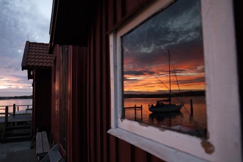 Forførende og prisbelønnet kyststrekning. Skjærgården på Hvaler og kystområdet utenfor strømstad med kosterøyene, har i flere generasjoner tiltrukket og forført sine besøkende. Denne kyststrekning gikk til topps i internasjonal kåring (Coastal Marine Union).
