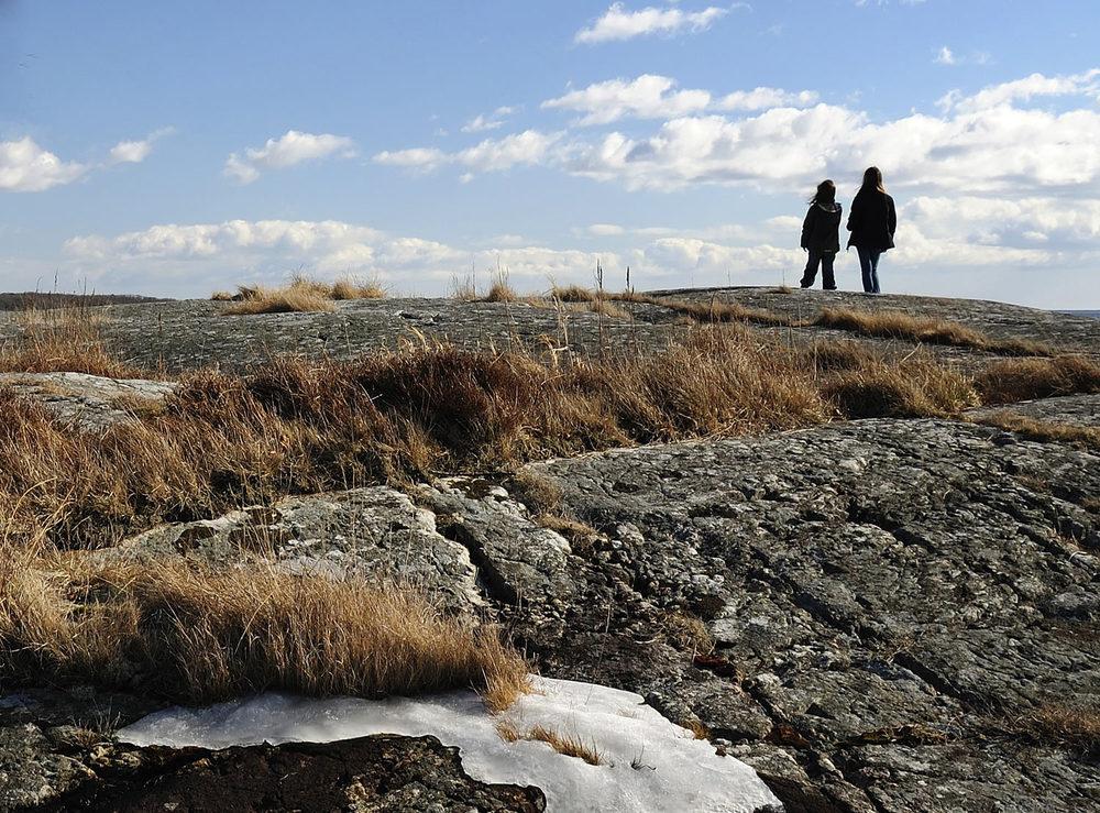 Ta med familien til Kuvauen og se våren komme for fullt på Hvaler.