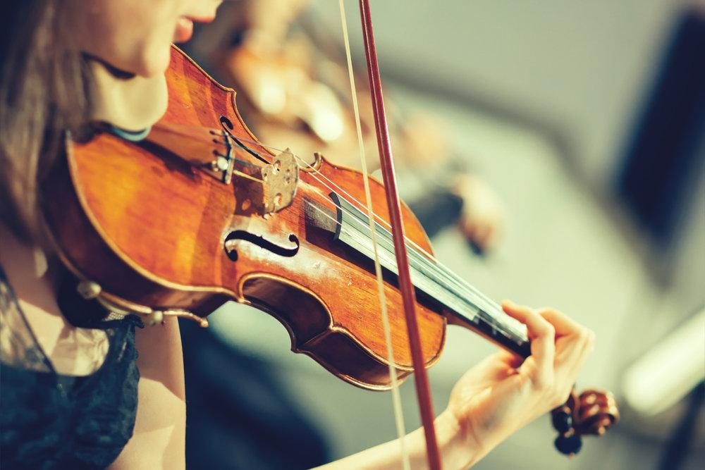 På tirsdager er det undervisning i fiolin.