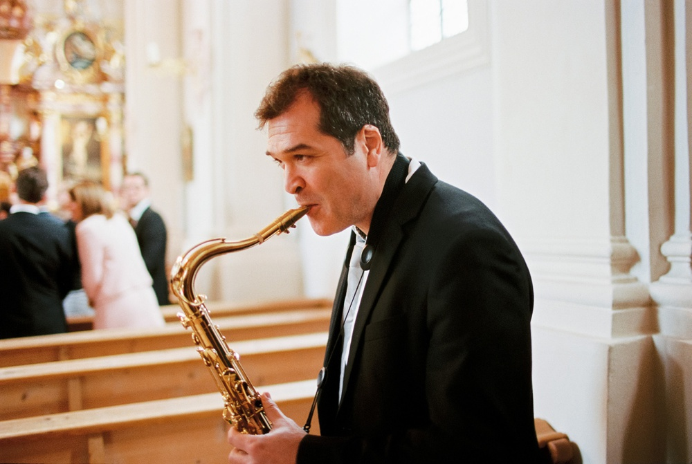 saxophone-wedding-birgithart.jpg