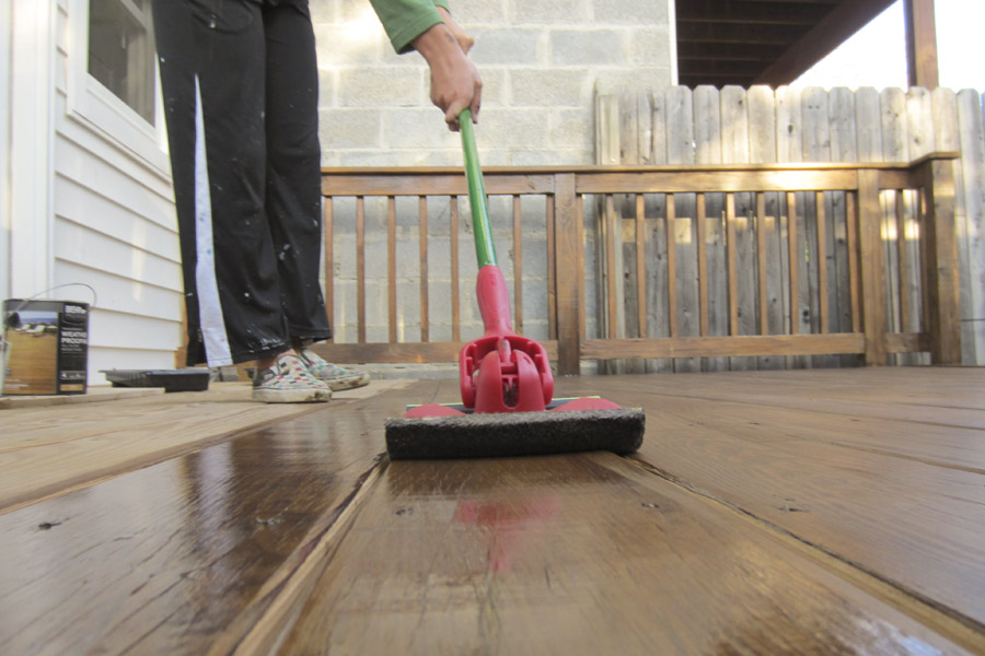 We used the Shur-Line applicator pad to apply stain to the deck's floorboards