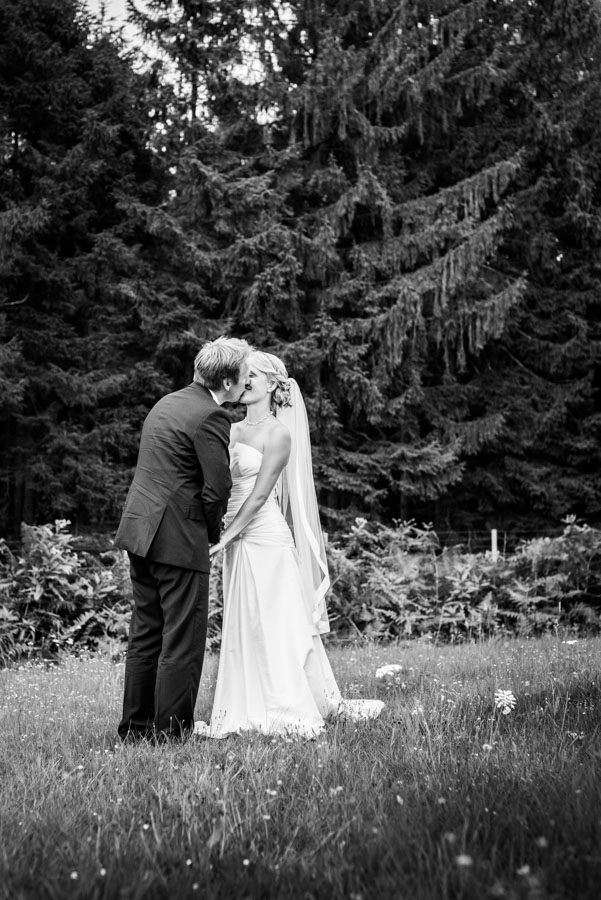Nadine_Soeren_HochzeitPoolParty_WEB_-18.jpg