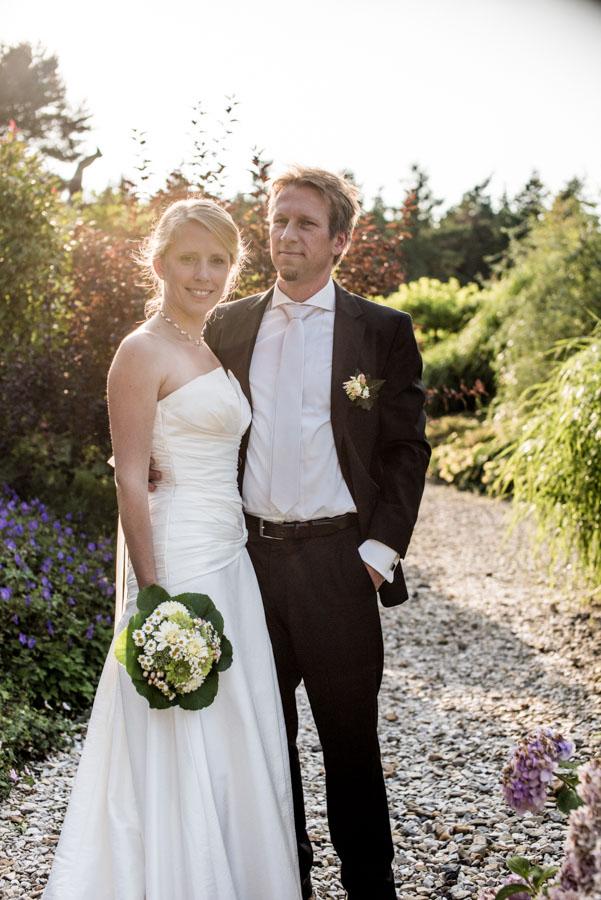 Nadine_Soeren_HochzeitPoolParty_WEB_-26.jpg