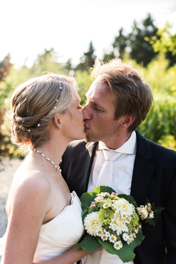Nadine_Soeren_HochzeitPoolParty_WEB_-29.jpg