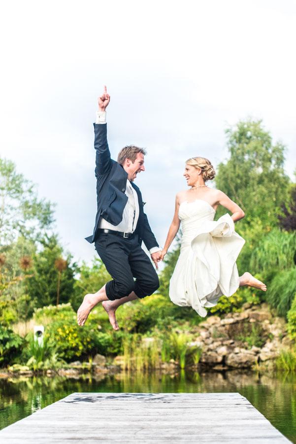 Nadine_Soeren_HochzeitPoolParty_WEB_-45.jpg