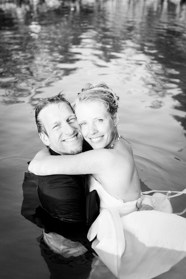 Nadine_Soeren_HochzeitPoolParty_WEB_-54.jpg