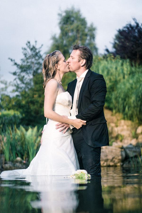 Nadine_Soeren_HochzeitPoolParty_WEB_-76.jpg