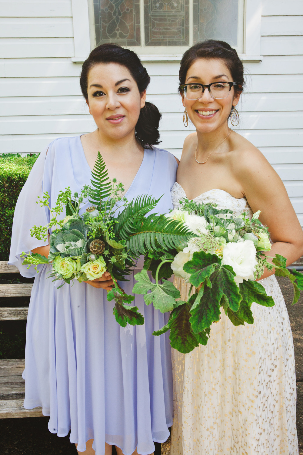 bride-and-maid-bouquets.jpg