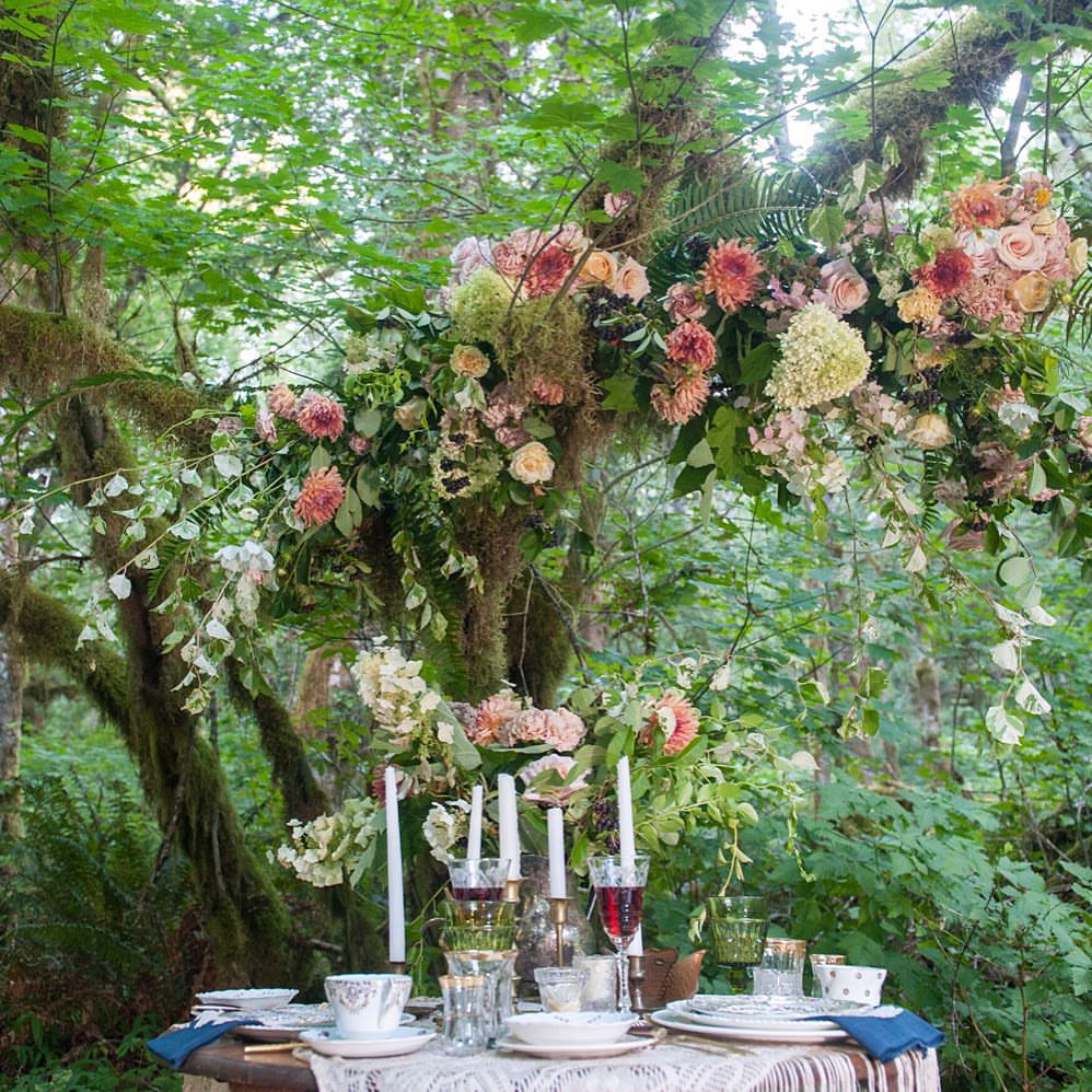 lush-romantic-wedding-bower-installation