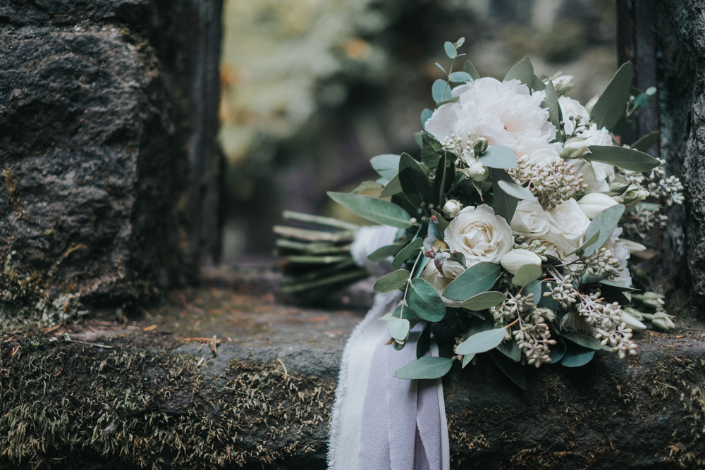 portland-oregon-neutral-wedding-bouquet
