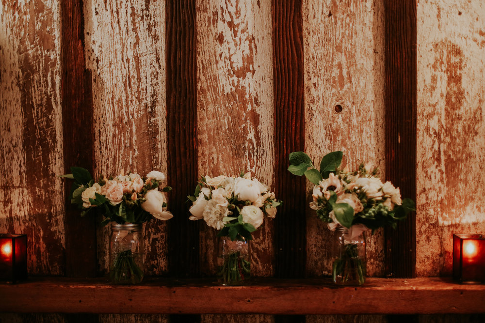 portland-oregon-wedding-flowers-bouquets-roses-greens.jpg