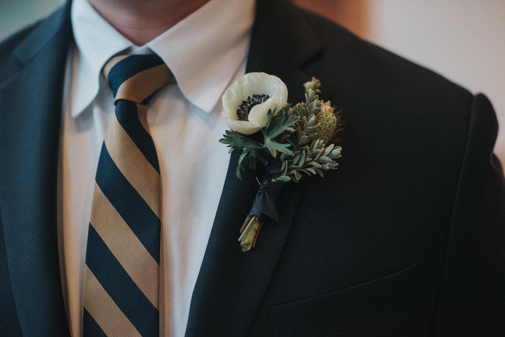 anemone-boutonniere
