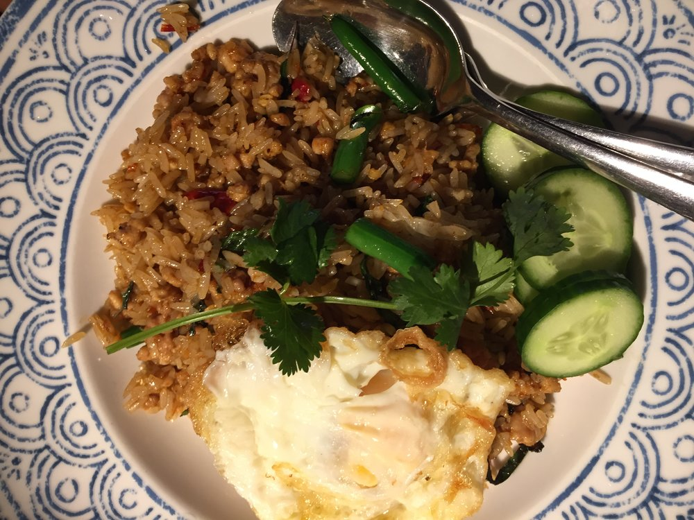 CHILLI FRIED RICE: fried rice with minced chicken, chilli, holy basil, and hen eggs