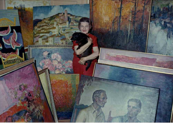 A photograph of Hull standing among her work, courtesy of the Mississippi Museum of Art.
