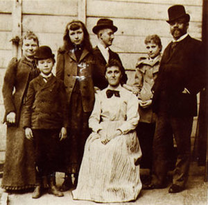 Dvořák with his wife, children, and friends in New York. Photo courtesy of Czech Museum of Music, Antonín Dvořák Museum Prague.