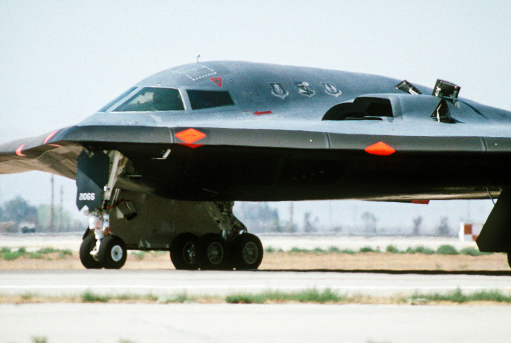 A_left_side_view_of_the_front_of_a_B-2_advanced_technology_bomber_aircraft_as_it_prepares_for_its_first_flight,_at_the_Air_Force_Flight_Test_Center_DF-ST-90-07390.jpg