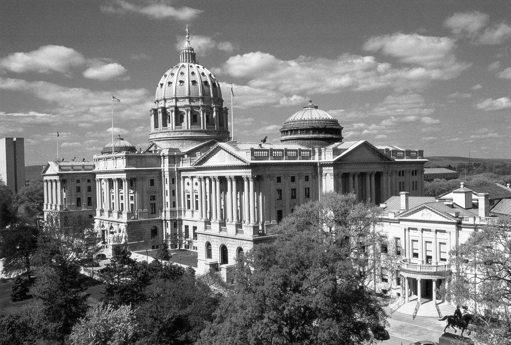 PA State Capitol.bw.jpg
