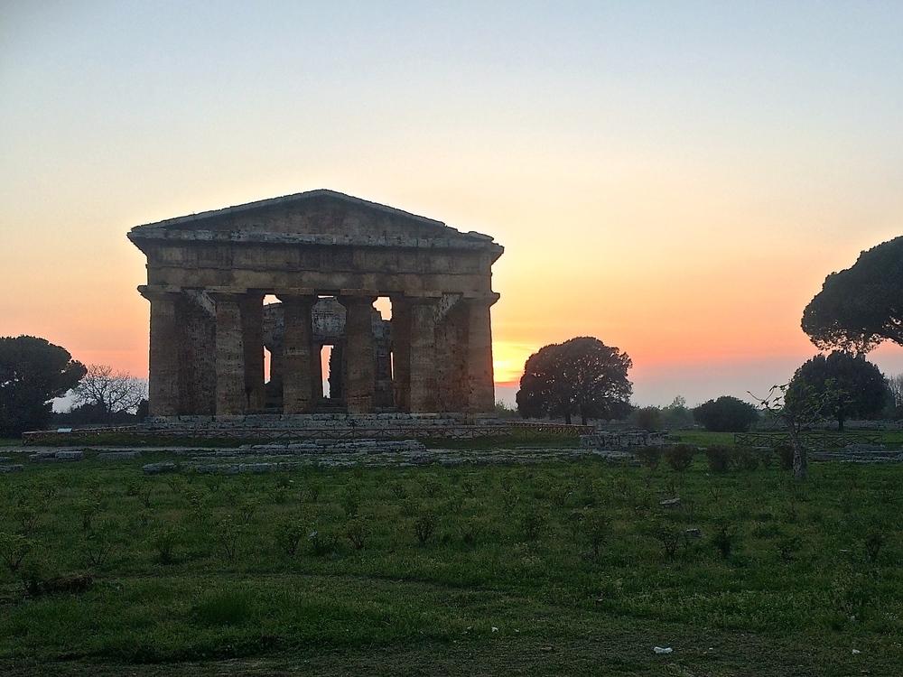 The temple of Neptune in Paestum.