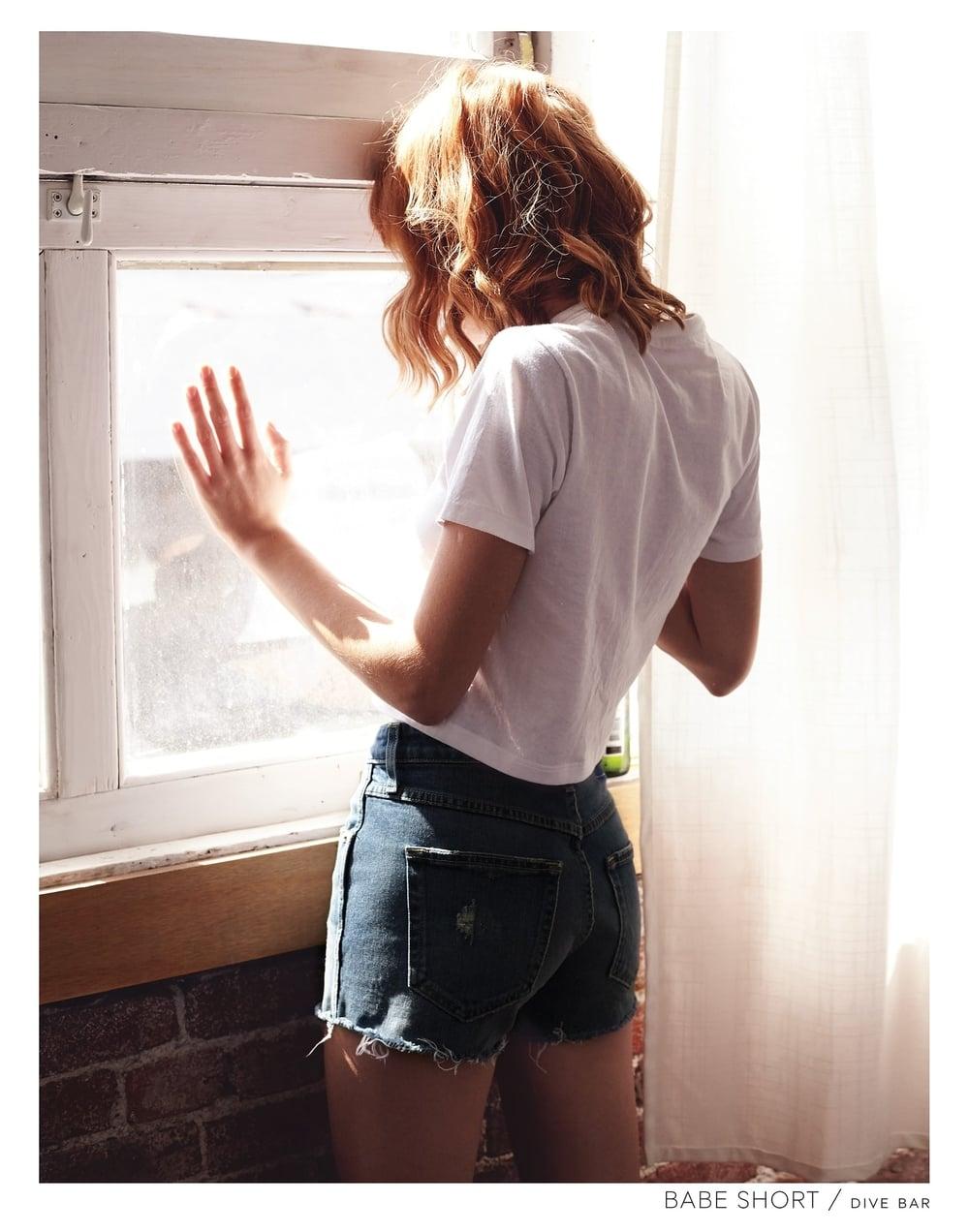 20_BABE-SHORT-WINDOW.jpg