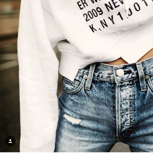 button fly details👖✨ @happilygrey