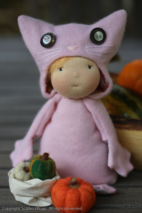 Mia, a Fall Critter by Scarlet Elfcup