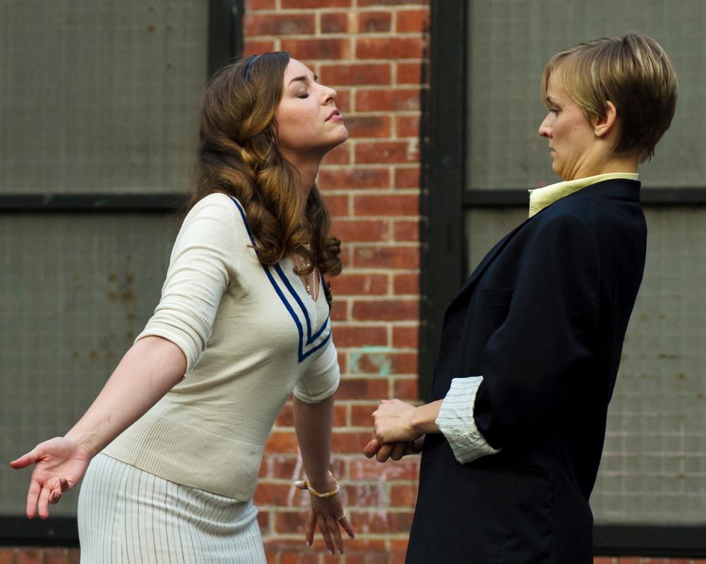 Kate Eastman as Olivia, Mary Cavett as Viola