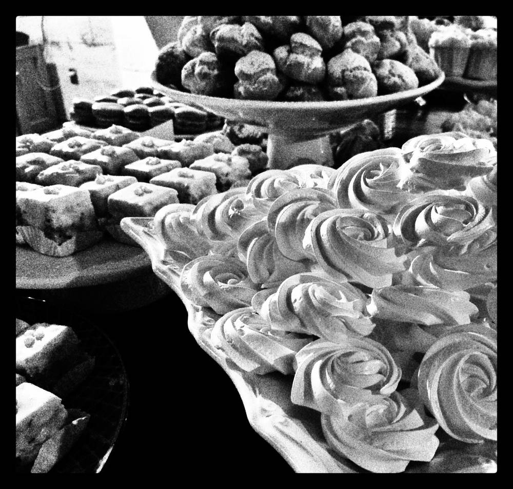 rose meringue rosettes