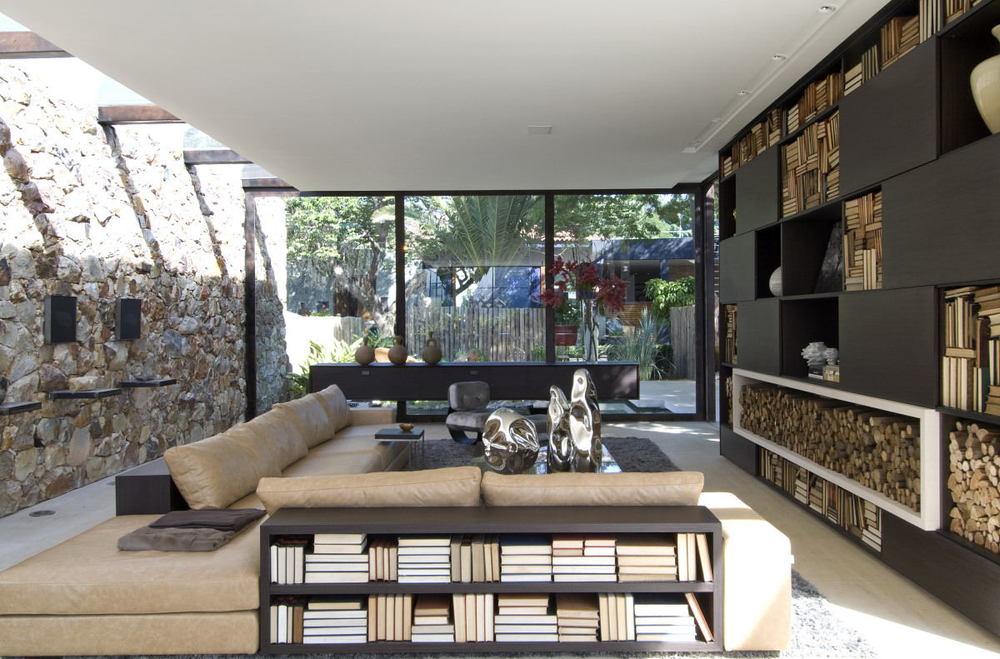 Natuurlijke materialen zijn eerlijk en puur, je voelt de passie in deze ruimte.