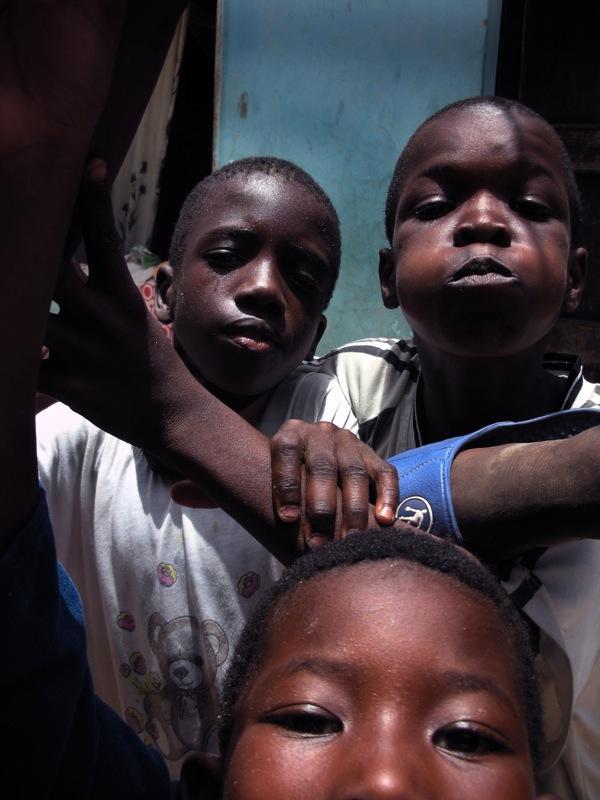 Play (Thiaroye, Senegal)