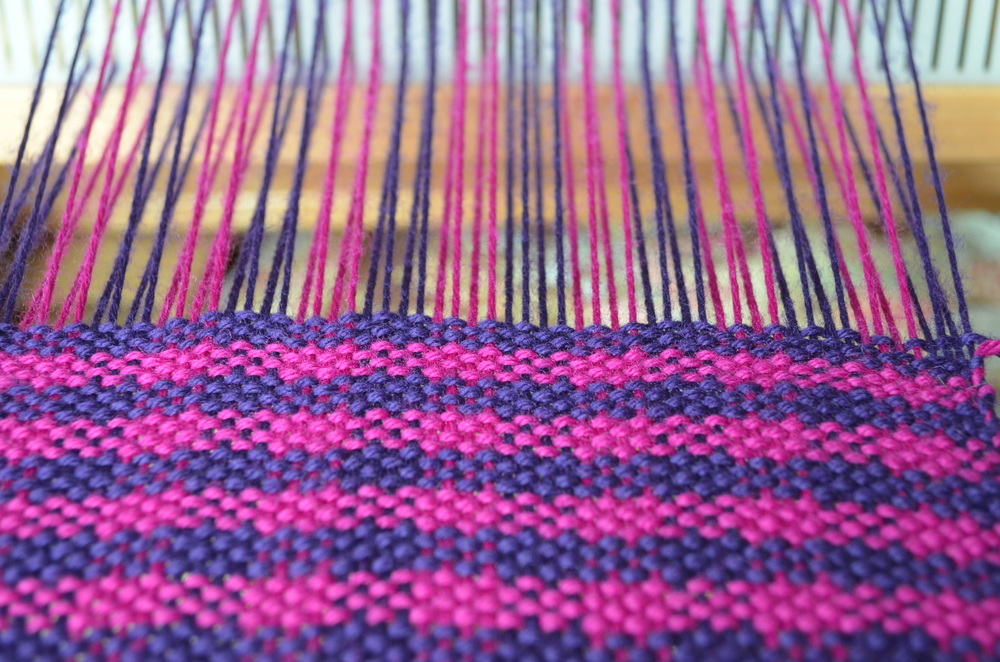 Crocheting And Weaving : houndstooth weaving / what does weaving look like / warporweft.com