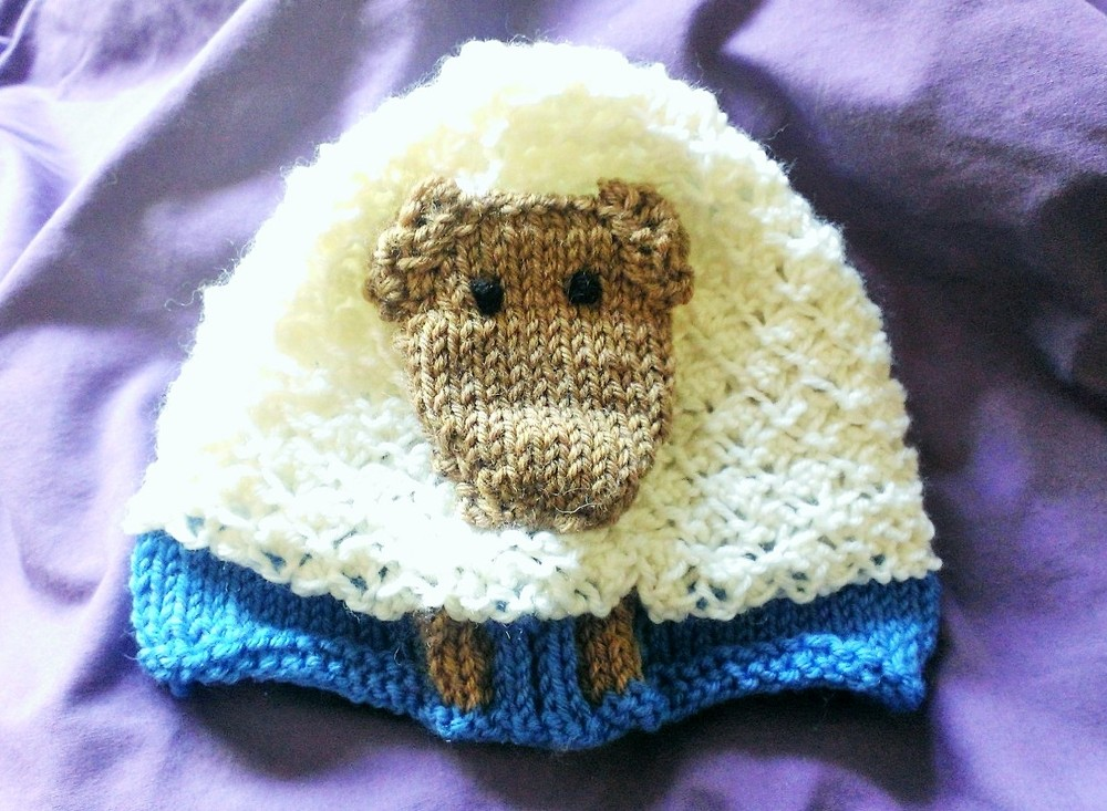 Sheep hat / easy knit / baby hat / warporweft.com