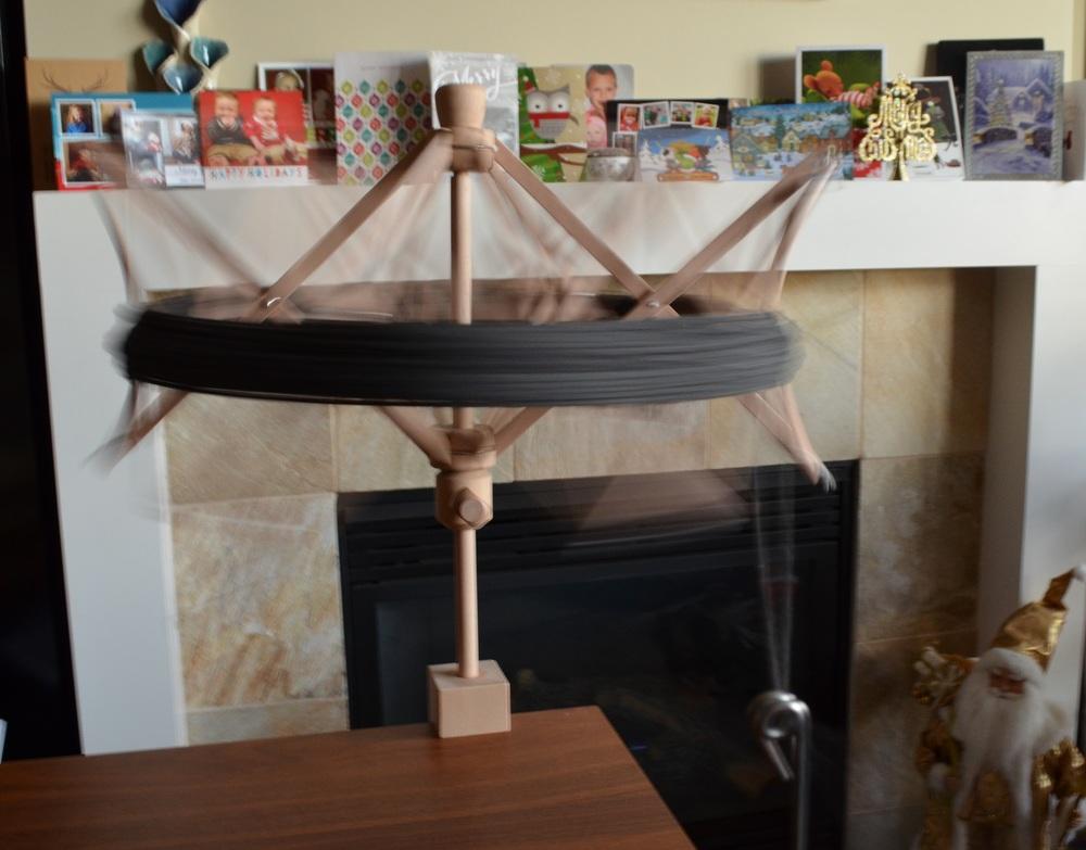 yarn skein umbrella in action / warporweft.com
