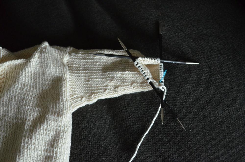 cute knit baby sweater / warporweft.com