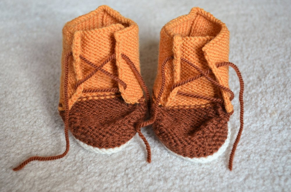 Knitting Baby Duck Booties & Hat / warporweft.com