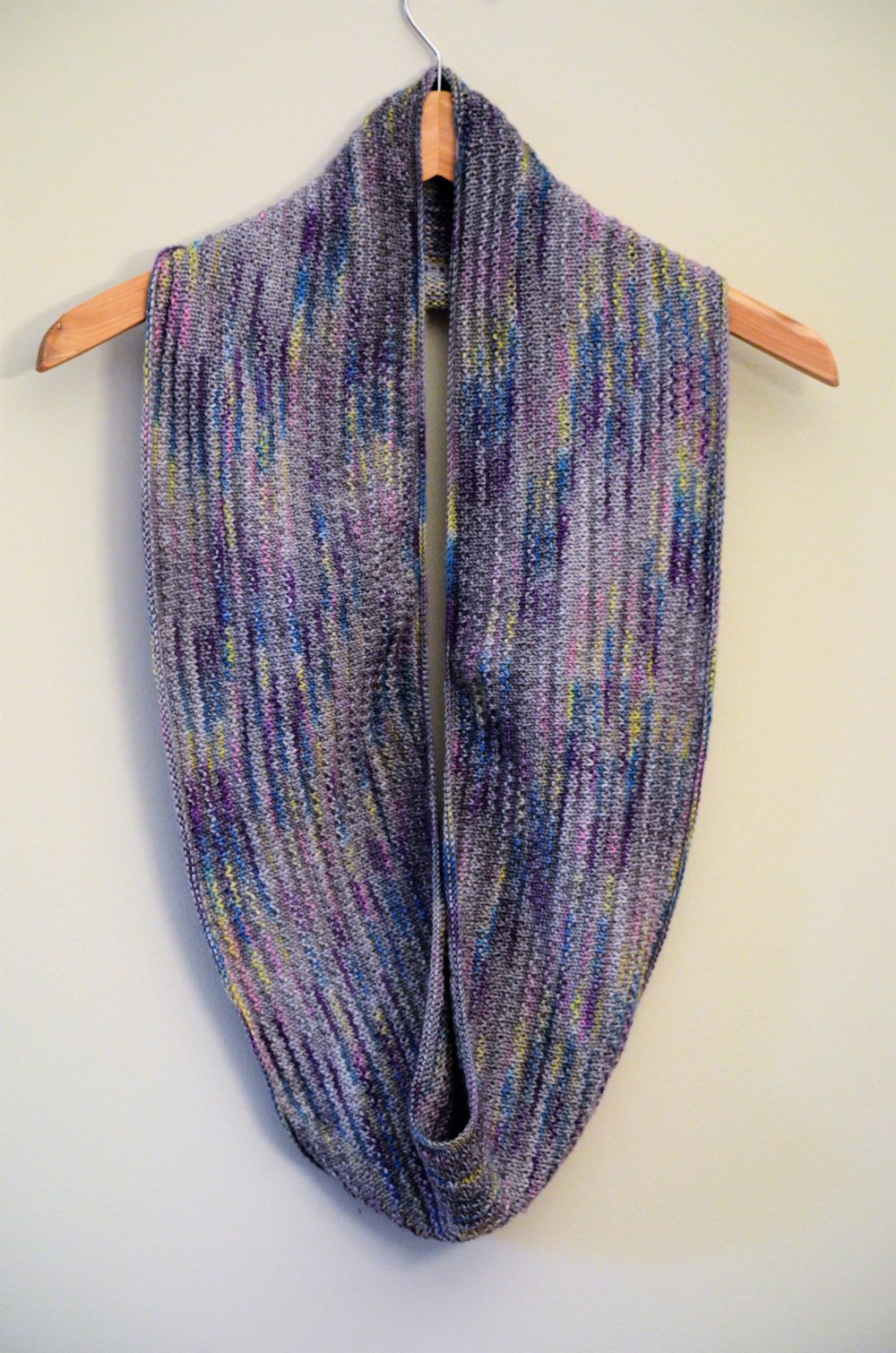 EASY KNIT Capitol Hill Cowl Scarf Pattern / warporweft.com