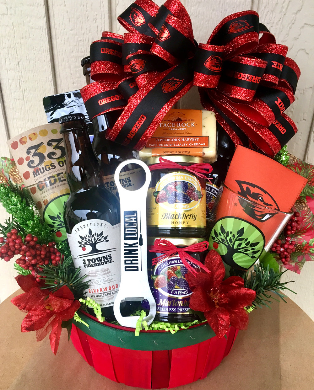 2 Towns Cider Holiday Gift Basket