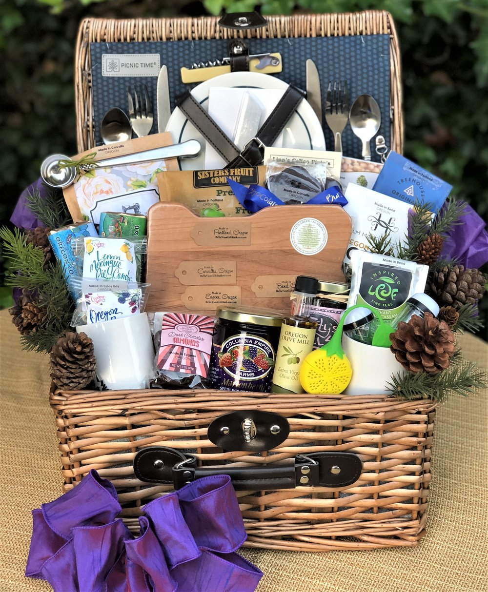 Taste of Oregon Picnic Basket