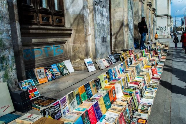 The-book-reading-culture-of-Bucharest.jpg