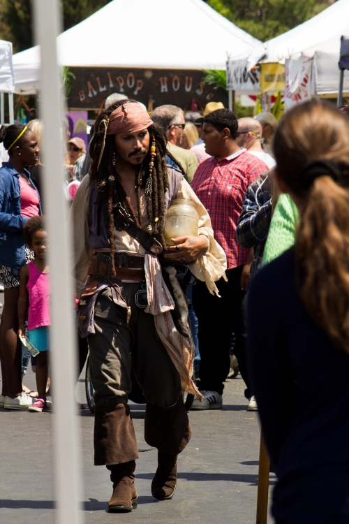 A Pirate and his Jar O' Dirt