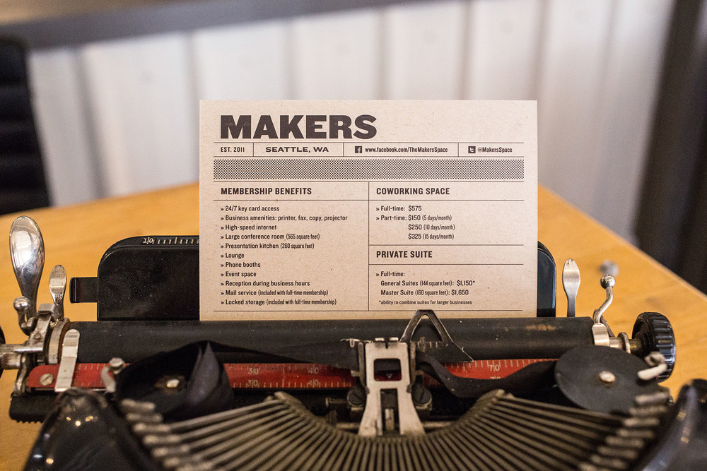 Info cards and business cards were designed with an industrial feeling in mind.