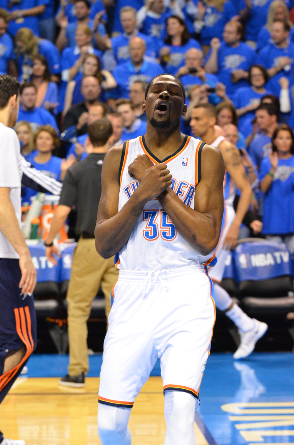 Kevin Durant reacts after scoring against the Memphis Grizzlies. Photo by Torrey Purvey for InsideThunder.com