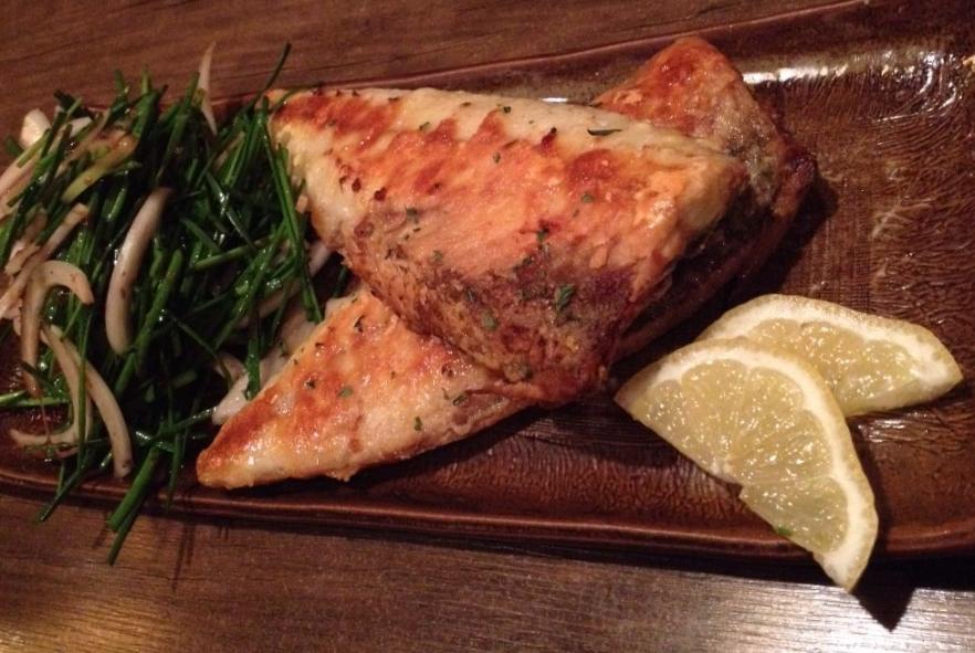 고등어 구이 (GoDengUh Gooey) = Grilled mackeral. Grilled to perfection with a salty crispy outside and soft flaky chunks of fish . Easy to debone down the middle, and goes so well with the vinegary balsamic 부추 (Boo Choo) = Korean greens w. onions.
