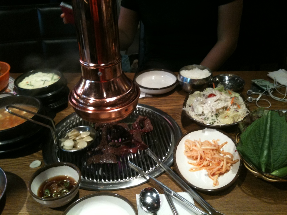 Satisfying BBQ joint. Delicious meat and great sids - love their sesame seed dressing salad, radish kimchi and their spicy green onion! They also have locations at: 약수 (Yaksu), 잠실 (Jamshil) and others.